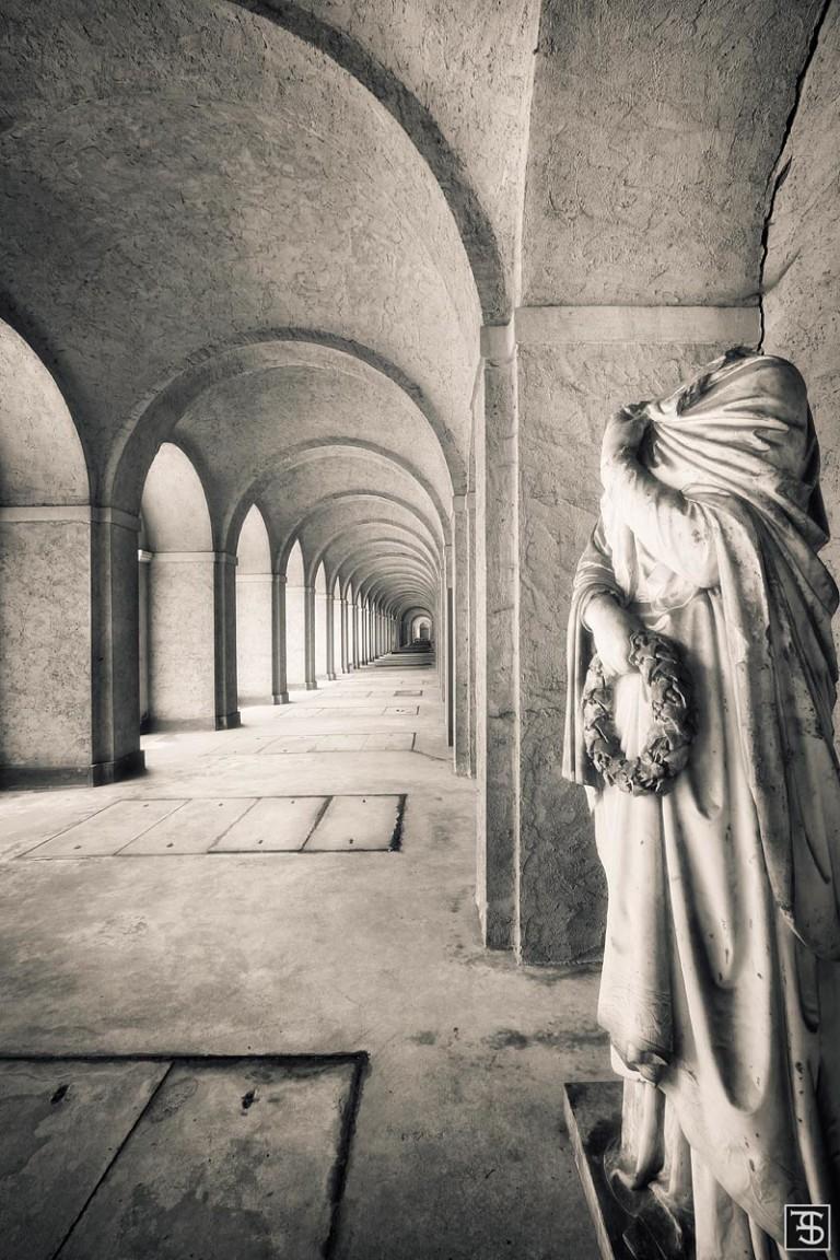 hallway of the headless
